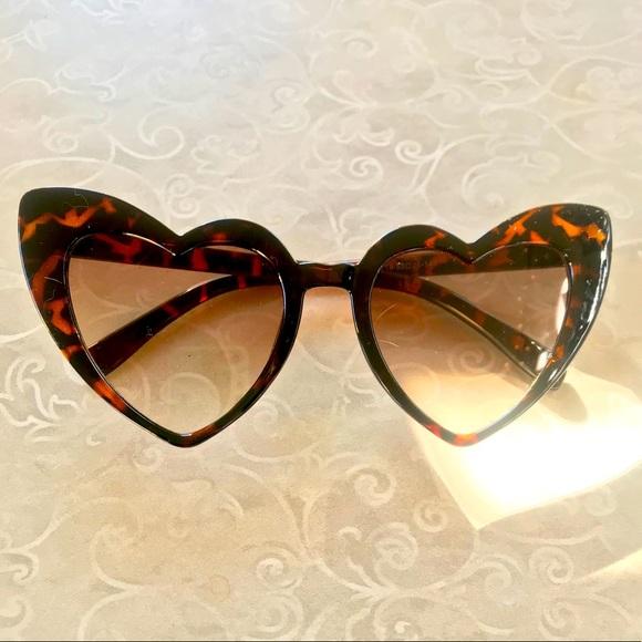 Tortoise shell heart shaped glasses